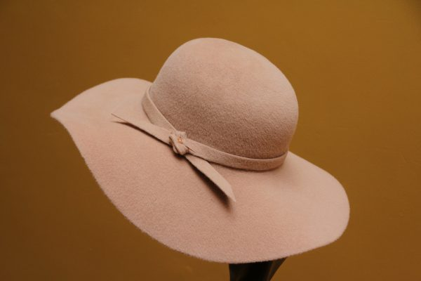 Beibe felt hat with felt band