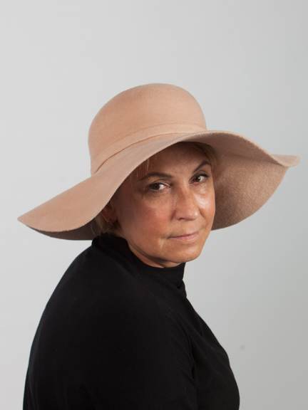 Beige large brimmed peach bloom felt hat with felt band